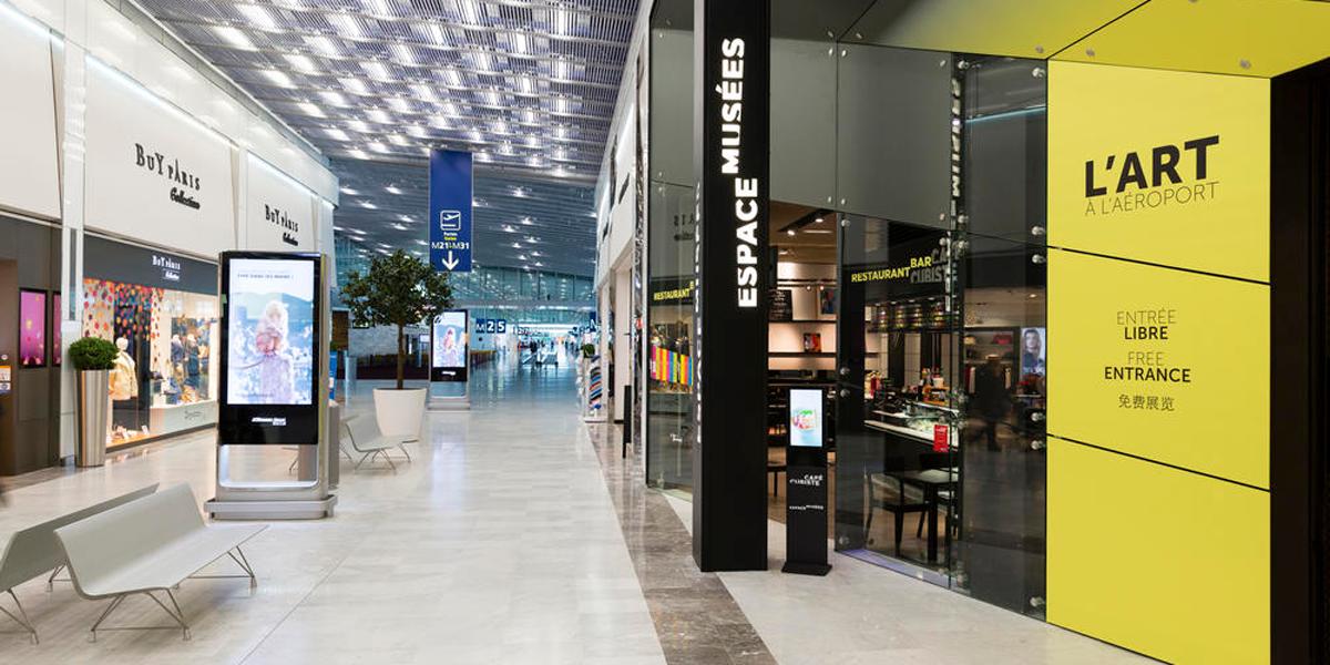 une-expo-avant-d-embarquer-a-roissy-l-art-s-invite-au-milieu-de-l-aeroport