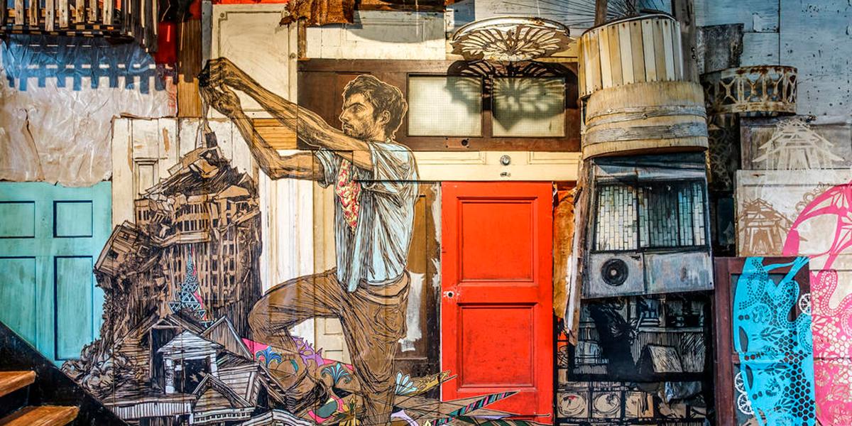 villes-flottantes-et-chaos-urbain-swoon-la-celebre-street-artiste-enfin-exposee-a-paris